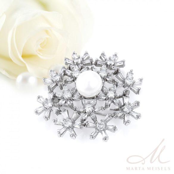 Elegáns, szimmetrikus esküvői bross kristályokkal és gyönggyel díszítve ESK-XP-B557