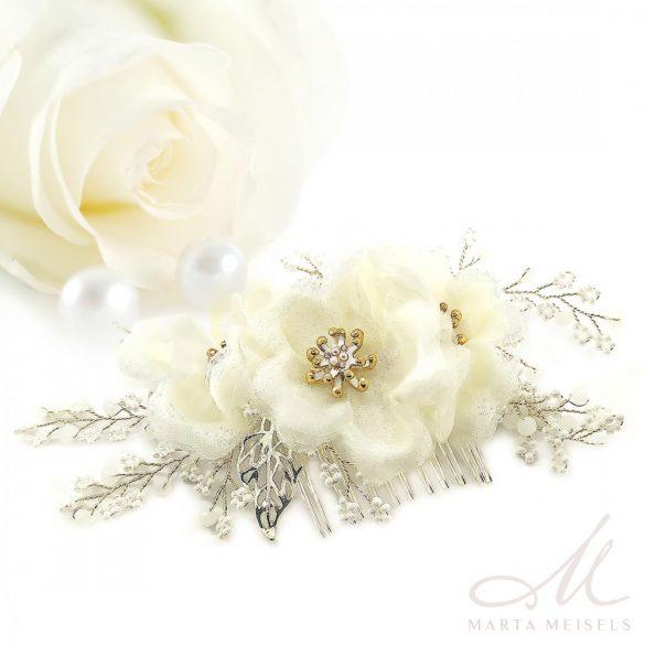 Romantikus menyasszonyi hajfésű gyöngyökkel és virágokkal díszítve MEF-CQ-B565