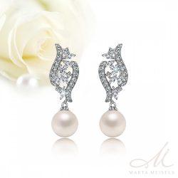 Elegáns menyasszony fülbevaló gyönggyel és kristályokkal díszítve MEF-TM-B0708
