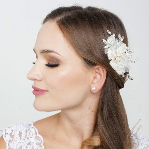 Kézzel készített gyöngyökkel kirakott virágos menyasszonyi hajdísz MET-RE-B928