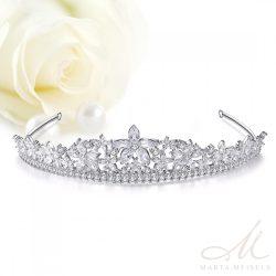 Hercegnői stílusú menyaszonyi tiara cirkónia kristályokkal díszítve MET-TM-B1976