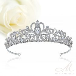 Hercegnői stílusú exkluzív menyasszonyi tiara cirkónia kristályokkal díszítve MET-XP-B539