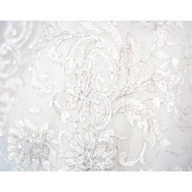 Hófehér menyasszonyi ruhához ajánljuk